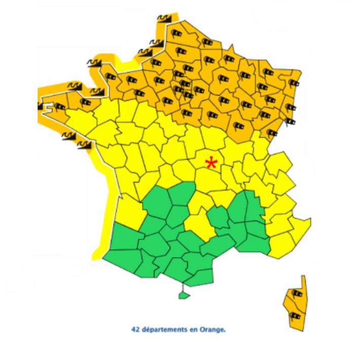 Tempête Ciara: 42 départements en vigilance orange vent violent et vagues-submersion