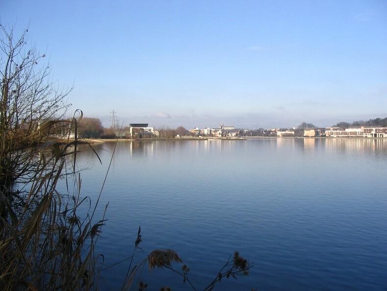 Le Lac D'Auron...