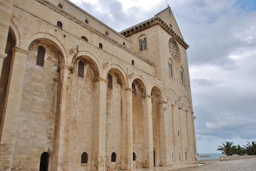 Trani et sa superbe Cathédrale dans les Pouilles en Italie (photos)