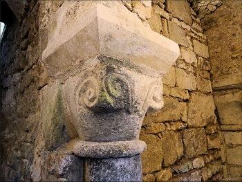Photos de la crypte de l'église Saint Romain