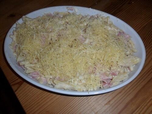 *** Gratin de macaronis au jambon et parmesan ***