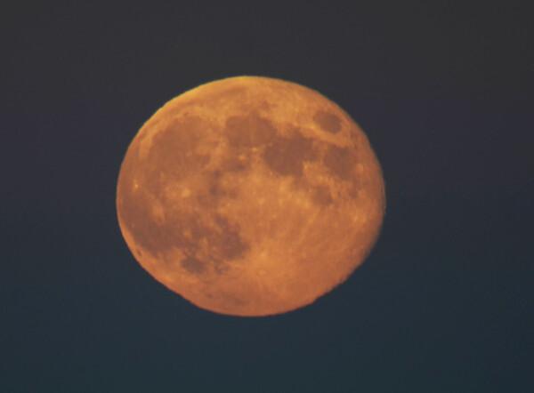 Lune lever2