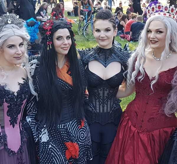 Royal Black Couture & Corsetry, créatrice