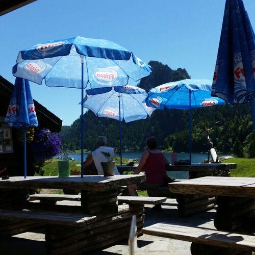 """Restaurant """"La Vouivre""""  haut standing Lac de Tanay"""