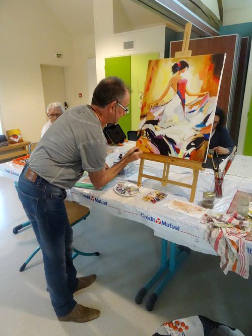 L'atelier de peinture de la MJC de Sainte-Colombe sur Seine...