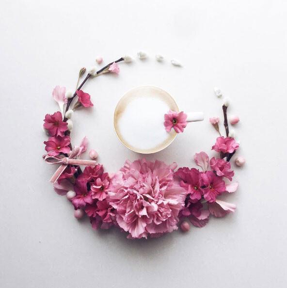Une artiste sublime ses cafés de compositions florales !
