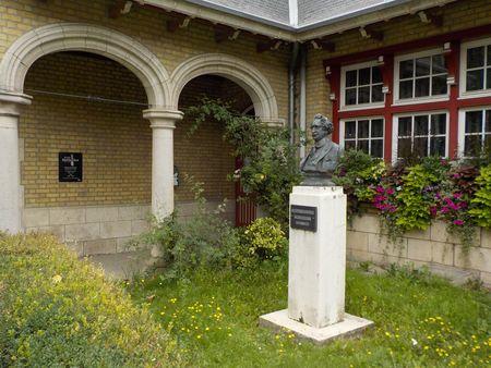 Ecole des dentellières de Bailleul (59270).
