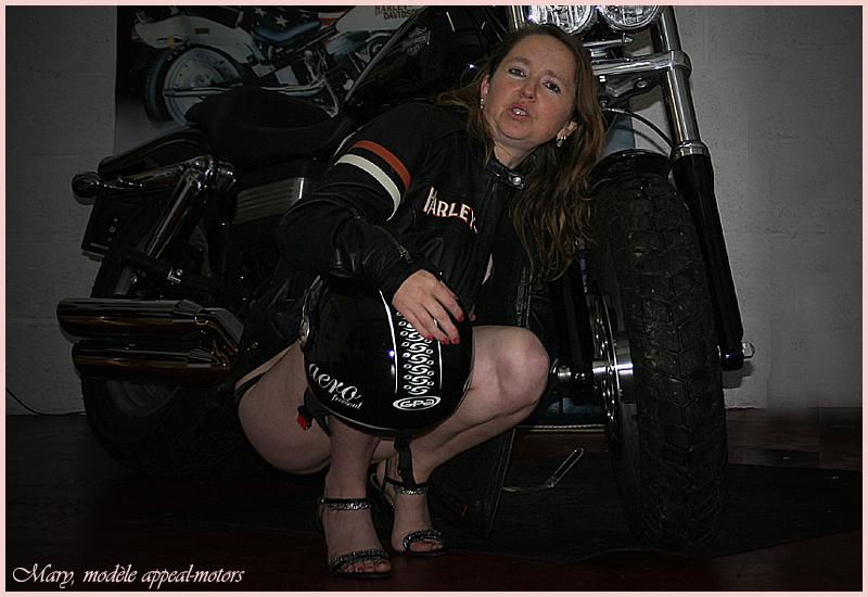 Mary au garage