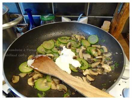 Cabillaud curry, champignons courgettes
