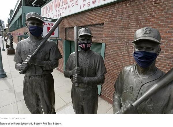 Les statues se masquent elles-aussi, car on n'est jamais trop prudent !