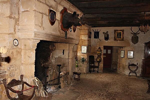 la maison forte de reignac -35-