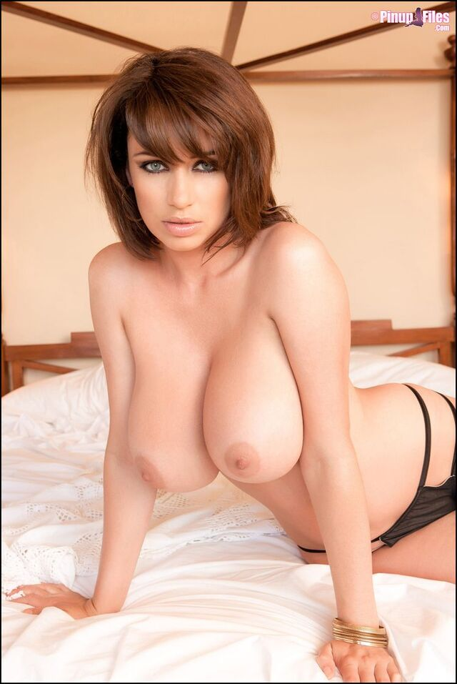 Solo Boobs - 105 - Sophie Howard