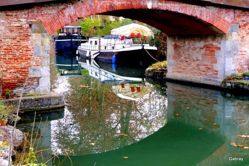 Canal du Midi: un pont...