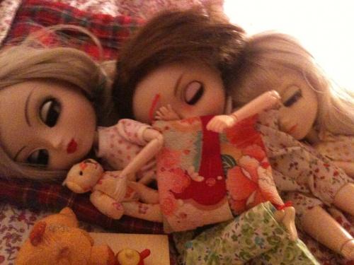 Pyjama Party ...