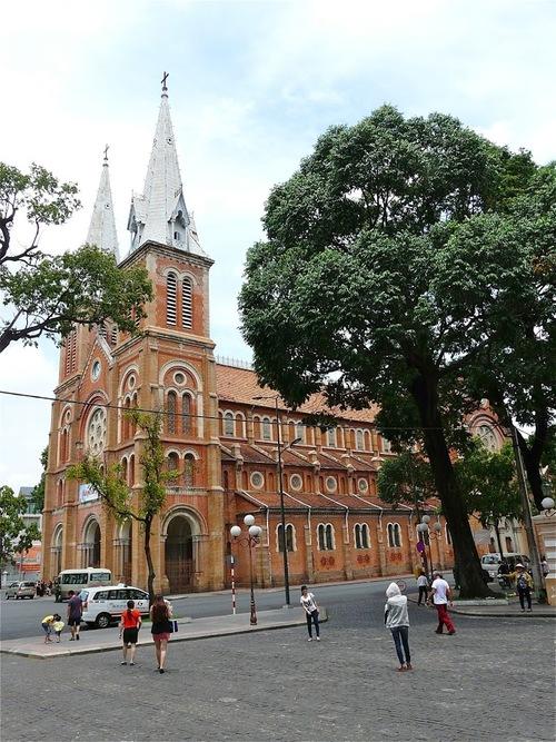 la cathédrale d'Ho chi minh ville