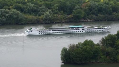 tout le long de la Seine ! défis avec Khanel tout le mois d'août : eau