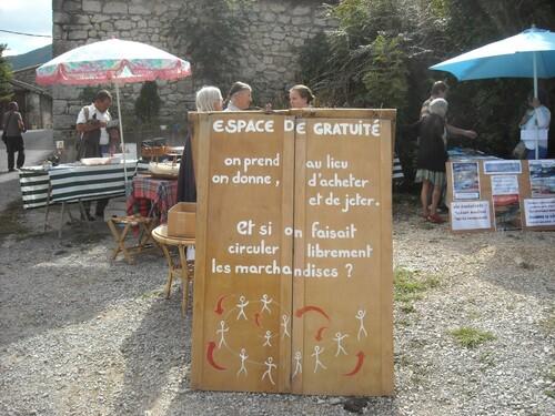 *Foire Bio Montfroc Photos Espace de Gratuité Yvon Blog des Omergues