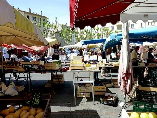 Toulon le maché du Mourillon 7 Marc de Metz 2012