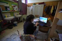 http://grignoux.be/system/attachments/pictures/000/017/001/web/%C2%A9-Les-Films-de-la-Passerelle-006.jpg?1517584573