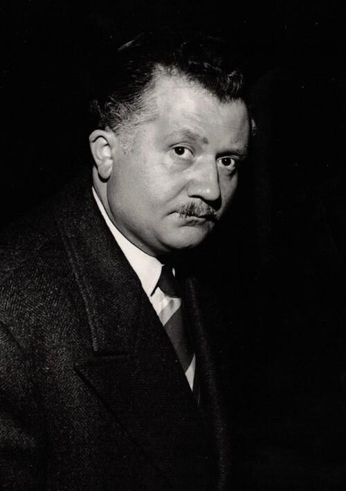 """Jean Richard dans """"le portrait de son père"""", film d'André Berthomieu, de 1953"""