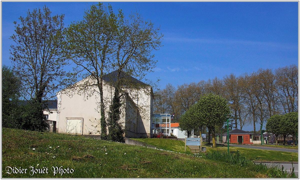 (85) Vendée - La Chaize le Vicomte (16) - Mairie & Vallée Verte