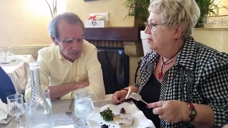 MARSEILLE - Mamiekéké et Cricri dans le Beaujolais .