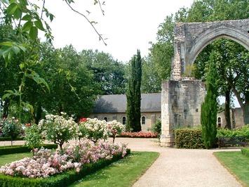 Je reçois le prix du sonnet 2013 attribué par l'association des Amis de Ronsard et du Prieuré de Saint-Cosme