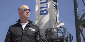 A bord de sa fusée, Jeff Bezos va s'envoler à son tour vers l'espace
