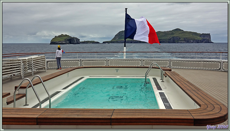 Nous quittons Nightingale Island pour nous diriger vers Inaccessible Island - Tristan da Cunha