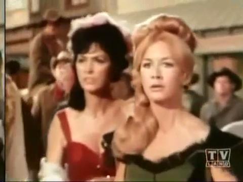 """Joan dans ''Gunsmoke""""."""