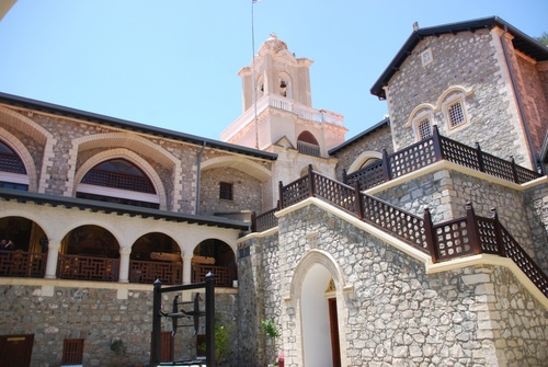 Kikkos, son monastère et tombeau de Makarios III à Zypre (photos)