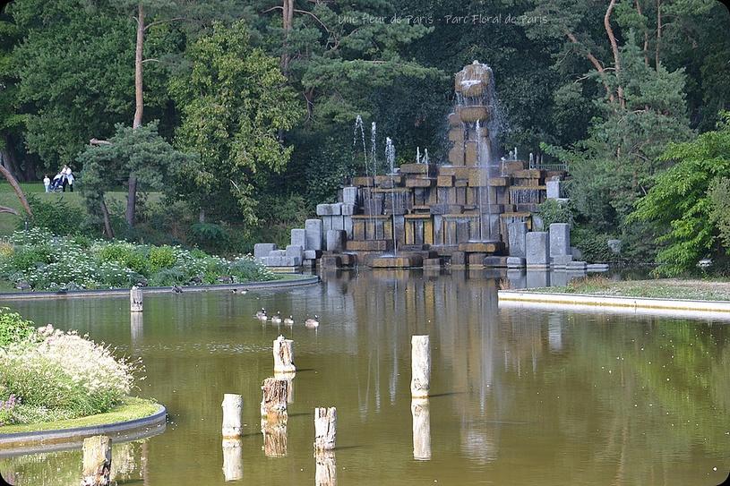 Parc Floral de Paris : La Fontaine de François Stahly