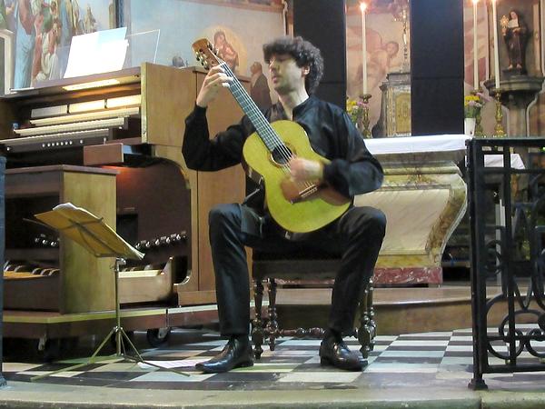 Un superbe concert orgue et guitare a eu lieu à Saint-Nicolas, sous l'égide de Châtillon-Scènes..