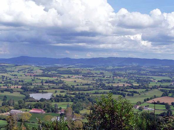 Vézelay - Le Puy en Velay 2010  - Larochemillay - Issy l'Evêque (25km)