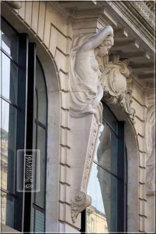 Bordeaux cours de l'Intendance cariatides Hôtel Pichon