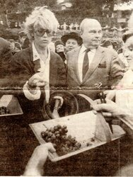 03 octobre 1987 : Marraine des vendanges...