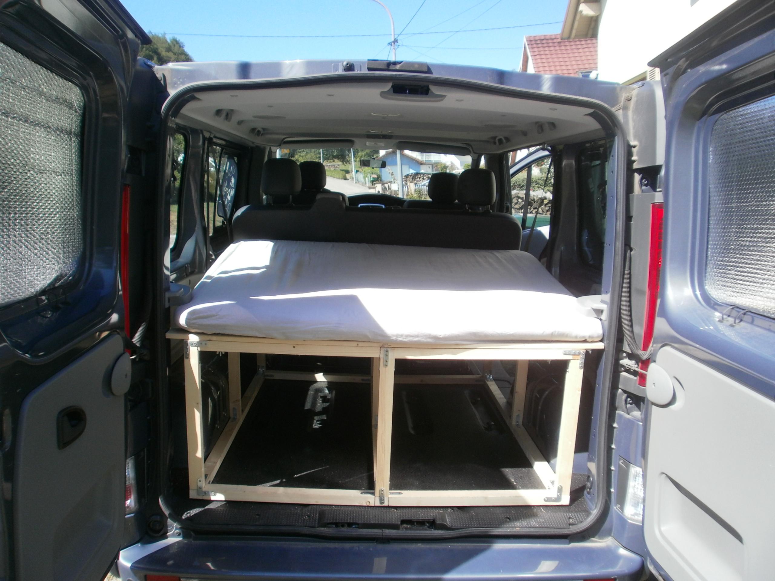 amenagement fourgon trafic l1h1 om89 montrealeast. Black Bedroom Furniture Sets. Home Design Ideas