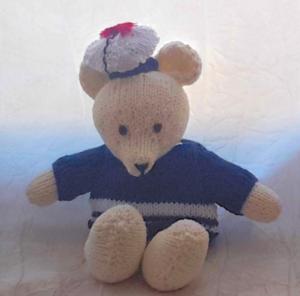 L'ourson Jules au tricot