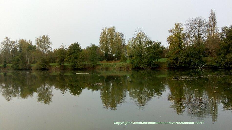 la saison d'automne normalement est très belle en cette saison,mais cette année malgrès le manque d'eau