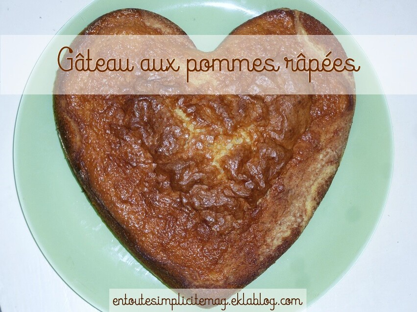 Gâteau au yaourt aux pommes râpées et cannelle