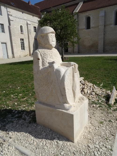 Eric de Laclos finira la statue du guerrier de Vix demain samedi 2 septembre...