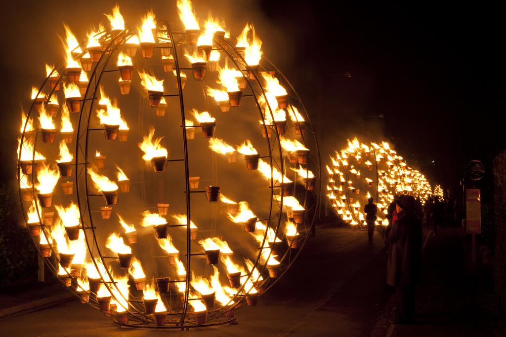 FIRE INSTALLATION, Arts de la Rue ,Installation de feu, mons 2015,carabosse;,Cie Carabosse, Installations de feu; ouverture, Mons - Europske prijestolnice kulture 2015,比利时  欧洲文化之都