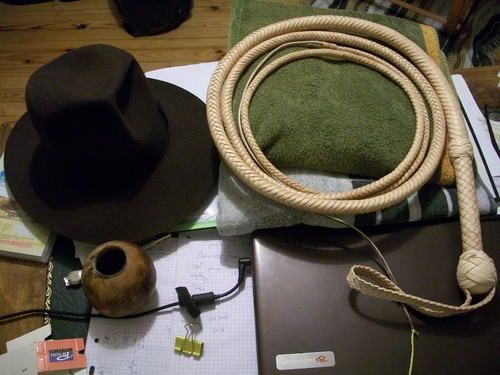 10 ft indy cowhide bullwhip (suite)