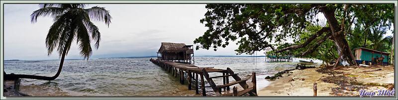 Univers de pêcheur guaymi: sa maison, sa pirogue, sa plage - Isla Bastimentos - Bocas Del Toro - Panama