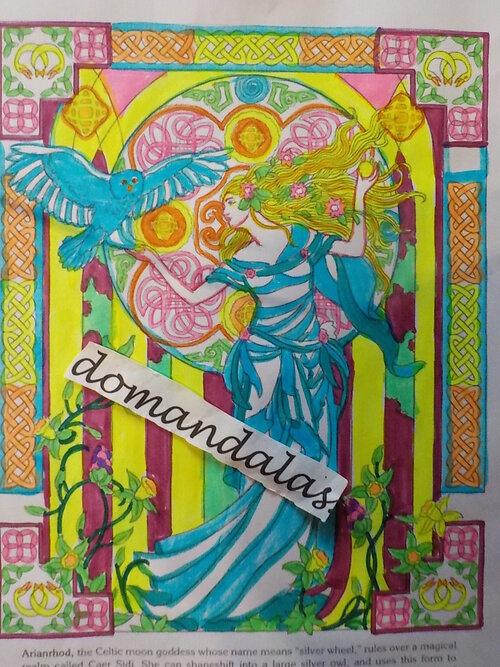 DOMANDALAS  déesse celtique  avec chouette
