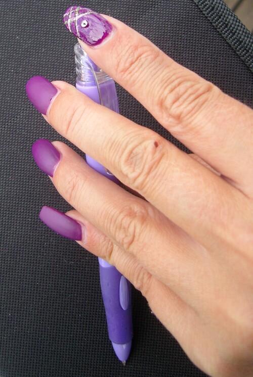 Nail art : Croisillons roses - accent nail
