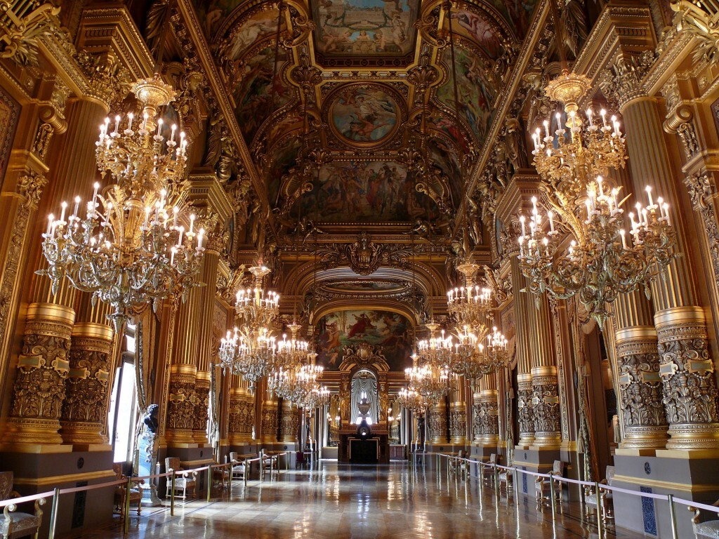 Le grand foyer du palais Garnier de Paris