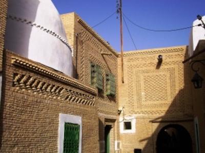 Architecture en briques  dans la vieille ville de Nefta