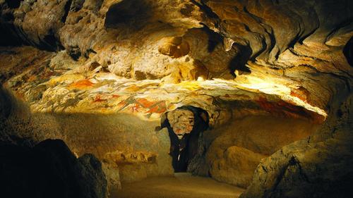Les Enfants de la Terre, tome 6 : Le pays des grottes sacrées - Jean M. Auel -