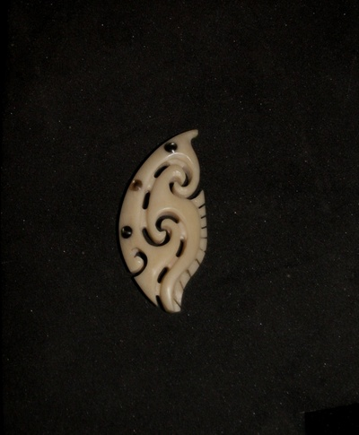 Blog de usulebis :Usulebis ,Artisan créateur de bijoux polynésiens , contact : usulebis@hotmail.fr, tribal 01